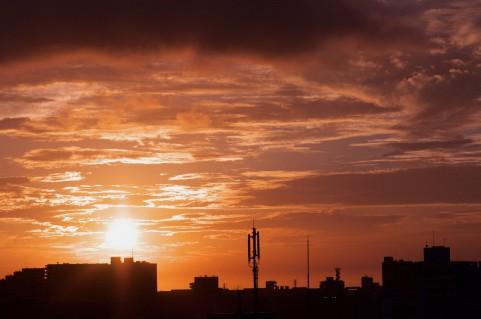 夕日のイメージ画像