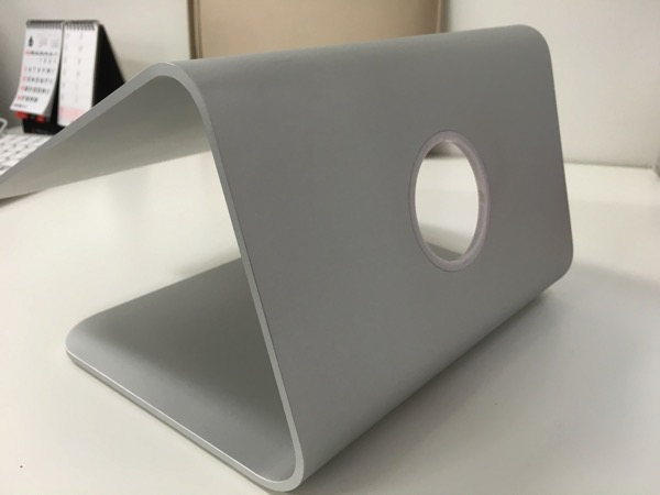 Spinidoアルミニウム製MacBook/SONY/SAMSUNGノートPC スタンドsilverの背面の画像